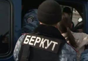 ТВі: Міліція затримала журналістів біля резиденції Президента у Межигір'ї