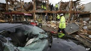 Новини США - вибух на заводі добрив у Техасі - На місці вибуху на заводі у Техасі шукають вцілілих