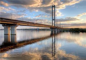 Рух по столичному Південному мосту буде частково обмежено