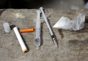 новини Києва - У Києві затримані наркоторговці, які збували продукцію на території школи