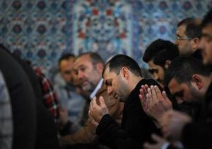 Болгари колективно моляться за вихід із кризи