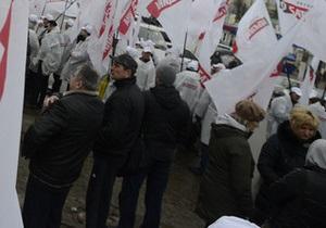 В УДАРі заявляють, що львівським перевізникам заборонили везти людей до Києва на акцію опозиції