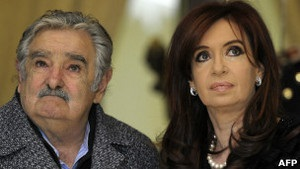 Президент Уругваю заперечує, що назвав Кіршнер  відьмою