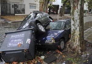 Шторм і рекордні опади в Буенос-Айресі забрали життя п яти осіб