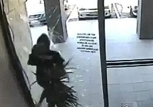 Австралія - пограбування - скляні двері
