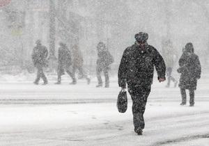 Негода в Україні - транспорт - штормове попередження - В Україні оголошено штормове попередження: ДАІ радить водіям відмовитися від поїздок
