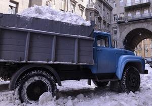 снігопад у Києві - фото - Київ - погода - ЖКГ - вивезення снігу