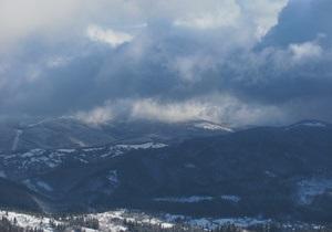 Новини Івано-Франківщини - штормове попередження - В Івано-Франківській області через снігопади і небезпеку сходження лавин оголошено штормове попередження
