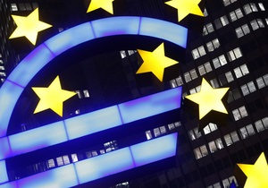 Стомлений Кіпром євро втрачає на міжбанку залишки впевненості