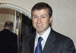 Адвокат розповів, чому ФБР допитувало Абрамовича