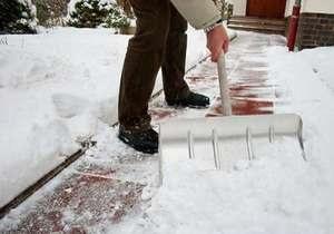Снігопад - негода в Україні - Український ринок праці охопив снігоприбиральний бум