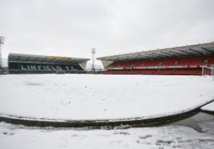 В Великобритании из-за сильных снегопадов отменили 15 матчей