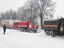 В Україні до ліквідації наслідків снігопадів залучені 15000 чоловік і майже 3,5 тис одиниць техніки