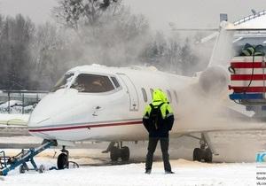 Аеропорт в Жулянах прийняв і випустив кілька рейсів