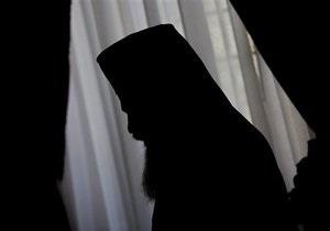 Петербург - пограбування - священик