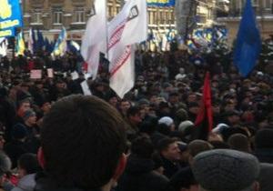 Яценюк: Тисячі людей кажуть  ні  Януковичу
