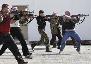 Загін повстанців прибув до Сирії після навчання у американських військових
