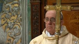 У перший день на посаді Папи Римського Франциск поспілкувався з дітьми і перехожими