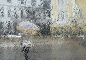 Погода в Україні - В Україні через негоду знеструмлено 64 населених пункти