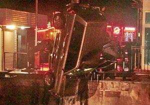 У Севастополі чоловік за кермом автомобіля впав у річку