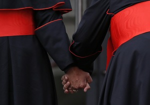 Католицький світ завмер в очікуванні: Сьогодні у Ватикані розпочнеться конклав з обрання нового Папи