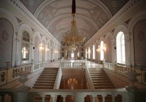 Соліст Великого театру назвав причиною атаки на худрука махінації з грантами