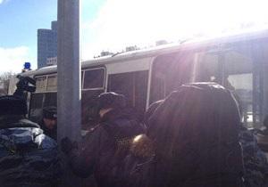 У Москві проходять одиночні пікети на захист Pussy Riot, поліція почала затримання