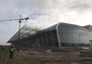 Львовский аэропорт практически вдвое увеличил пассажиропоток