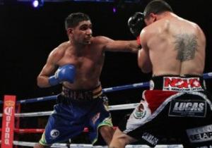 Тяжелая победа: Амир Хан дрался со сломанными кистями
