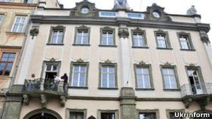 Владельцев Криївки обвиняют в разрушении барочного дворца