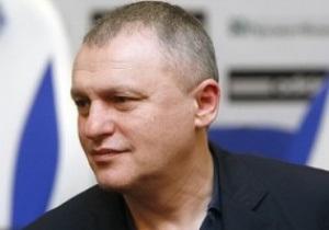 Суркис: Если у Ахметова есть лишние деньги - флаг ему в руки, у меня лишних денег нет