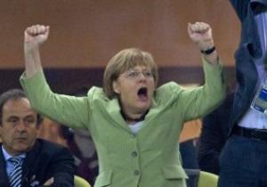 Ангела Меркель призвала футболистов-геев не скрывать свою ориентацию