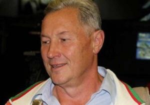 Скандальный белорусский тренер решил поменять фамилию на Идиот