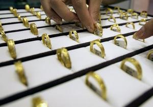 Tiffany ухудшила прогноз прибыли из-за кризиса