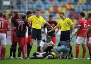Защитник Бенфики во время матча нокаутировал арбитра. Ему грозит серьезное наказание