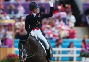 Британка Шарлотт Дюжардин выиграла золото Олимпиады-2012 в выездке