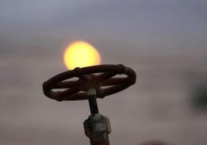 Обзор: Предложение нефти будет превышать спрос, рост на рынке газа сохранится до конца года