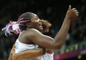 Баскетболистка сборной Франции получила предложение руки и сердца с трибуны арены