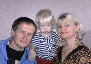 Краснодонський суд заарештував подружжя, яке вбило прийомних дітей, доньку-співучасницю відпустили