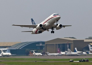 Superjet-100 здійснив аварійну посадку в Шереметьєво через розгерметизацію салону