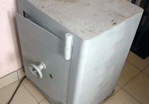 У Волинській області грабіжники не змогли відкрити сейфи і здали їх на металобрухт