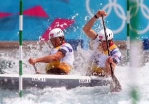 Британцы взяли золото и серебро в соревнованиях по гребному слалому на каноэ-двойках