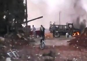 Повстанці продовжують чинити опір урядовим військам в Алеппо
