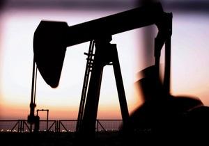 Ціни на нафту знизилися на фоні новин про зміцнення курсу долара до євро