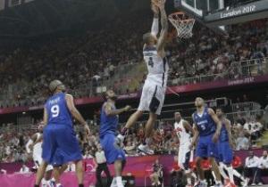 Баскетбол: США громит Францию, Бразилия побеждает Австралию
