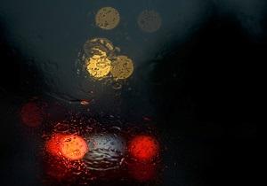 Нетверезий співробітник посольства РФ у Таллінні врізався на автомобілі у дорожній знак