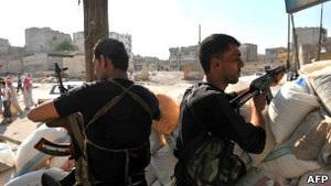 Тисячі сирійських солдатів перекидають з турецького кордону до Алеппо