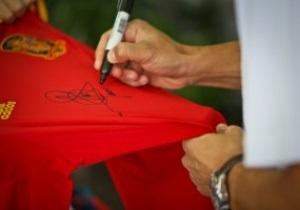 Конкурс от СПОРТ bigmir)net. Выиграй футболку сборной Испании с автографом Морьентеса