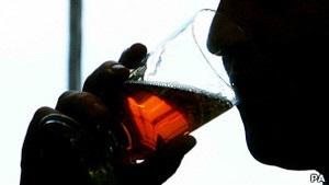 ВВС: Заборона на рекламу алкоголю в Росії. Чи питимуть від цього менше?