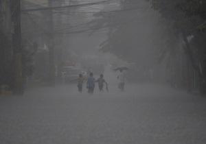 Пекін накрила потужна злива, загинули дві людини